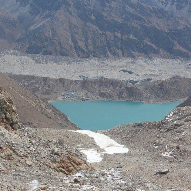 Gokyo chola pass trek, visit Gokyo lake, Gokyo RI, Cho La Pass, Kalapathar and Everest Base Camp.