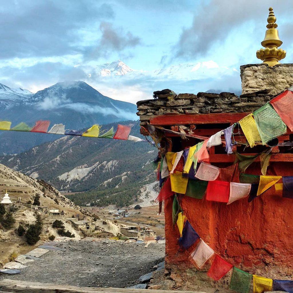 Manang stupa
